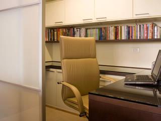 classic Study/office by Flávia Brandão - arquitetura, interiores e obras