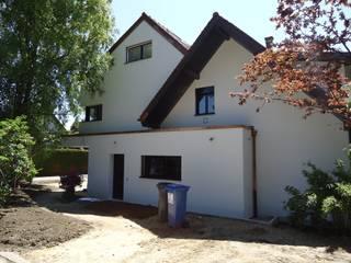 TRANSFORMATIONS D'UNE VILLA INDIVIDUELLE Maisons modernes par ELEMENT 9 Moderne