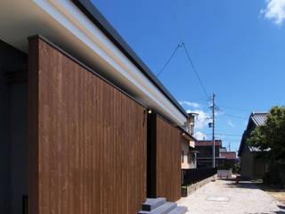 木板塀の家 ミニマルな 家 の Egawa Architectural Studio ミニマル