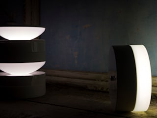 DADA table lamp/JIVE table lamp - Playground collection - Emilia Burchiani design:  in stile  di kriladesign srl