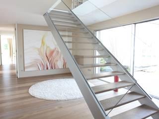 Ingresso & Corridoio in stile  di Neugebauer Architekten BDA