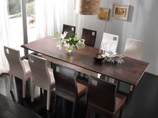 Sala da pranzo in stile in stile Mediterraneo di Rattania GmbH