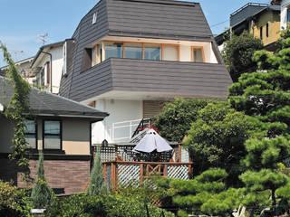 地形を引継ぐ家: 株式会社ストック建築設計事務所が手掛けたです。
