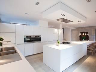 Dapur Modern Oleh bulthaup espace de vie Pontarlier Modern