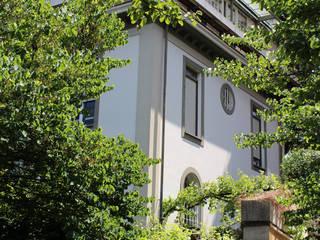 Attico all'Aventino: Case in stile  di Blocco 8 Architettura