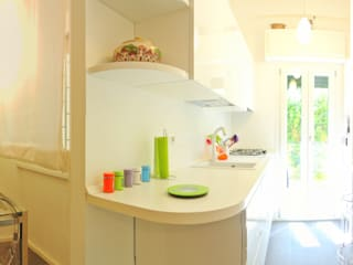 Bed and breakfast in 36 mq Cucina moderna di Archgallery Moderno