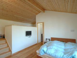 主寝室 オリジナルスタイルの 寝室 の 木の家株式会社 オリジナル