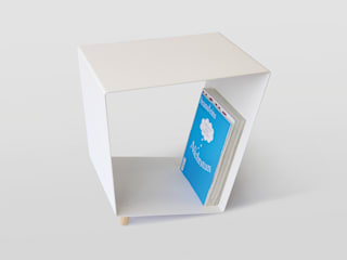 12° side table by chris+ruby por chris+ruby Minimalista