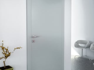 Minimal style window and door by Phi Porte Minimalist