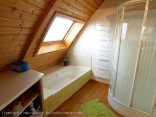 Baños de estilo moderno de DOMESPACE VOSTOK Moderno