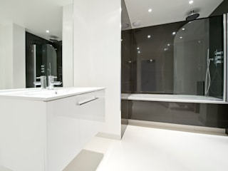 Refurbishment : St.John's Wood Modern Bathroom by In:Style Direct Modern