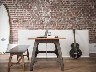 Pit Frame (Tisch): industriell  von Pirol Furnituring ,Industrial