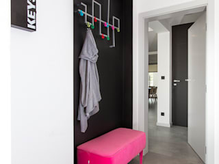 Pasillos y recibidores de estilo  por unikat:lab