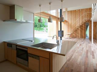 House-Sim: 伊藤憲吾建築設計事務所が手掛けたキッチンです。