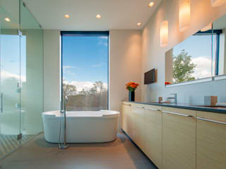 4 Springs Lane: modern Bathroom by Robert Gurney Architect