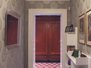 Casa L - realizzato Ingresso, Corridoio & Scale in stile classico di STUDIOFLAT Classico