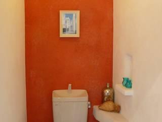 天然しっくいの爽やかなショールーム オリジナルスタイルの お風呂 の 有限会社 八幡工業 ナチュラワイズ オリジナル
