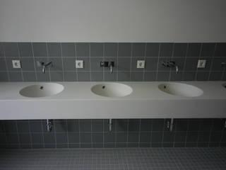 Stratus Bad- & Form-Elemente GmbH Scuole in stile classico