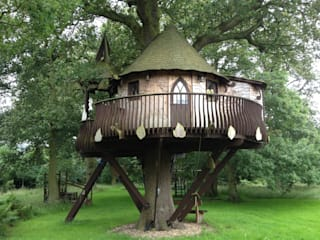 Large treehouse by High Life Treehouses