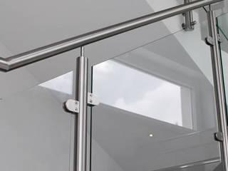 Treppengeländer Moderner Flur, Diele & Treppenhaus von Stalmach Group Modern