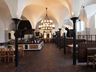 Zurück zum Ursprung - Pflasterklinker von Hagemeister wandeln Pferdestall in Restaurant mit Historie um Hagemeister GmbH & Co. KG Rustikale Gastronomie