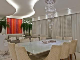 غرفة السفرة تنفيذ Designer de Interiores e Paisagista Iara Kílaris,