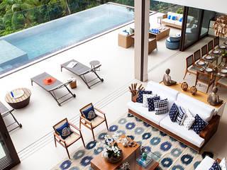 Integração Área Interna e Externa : Salas de estar  por Infinity Spaces