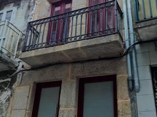 Fachada principal: Casas de estilo  de KM Arquitectos