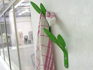 LIV / Handtuchhalter und Haken :   von Selma Serman