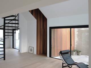 Tibbensteeg Hoonhorst Minimalistische gangen, hallen & trappenhuizen van Tim Versteegh Architect Minimalistisch