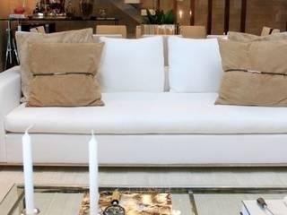 Living- C|H: Salas de estar  por Carolina Fagundes - Arquitetura e Interiores