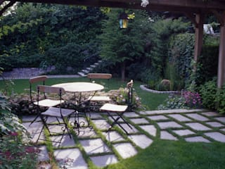 progetto giardino residenziale: Giardino in stile  di MASSIMO SEMOLA PROGETTAZIONE GIARDINI MILANO