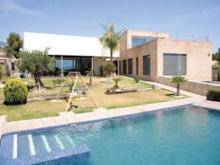 Casa Masip: Casas de estilo mediterráneo de Ascoz Arquitectura