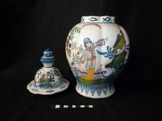 Restauration céramique / Potiche décorative avec couvercle de Delft par Atelier Candice Carpentier