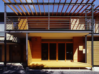 Casas modernas: Ideas, diseños y decoración de 風建築工房 Moderno