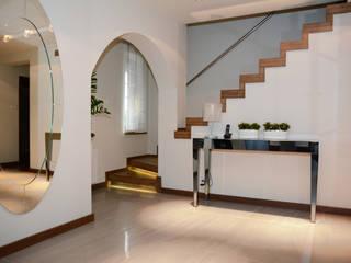 Dom jednorodzinny pod Szczecinem: styl , w kategorii Korytarz, przedpokój zaprojektowany przez Architektura Wnętrz Daria Zaremba