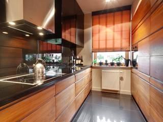 Mieszkanie singla: styl , w kategorii Kuchnia zaprojektowany przez Architektura Wnętrz Daria Zaremba