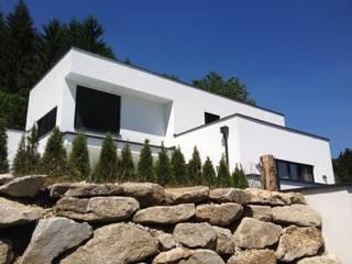 family home lichtenberg Moderne Häuser von Architect DI Johannes Roithner Modern