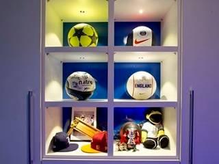 FOOTBALL BEDROOM FOR 360 INTERIOR DESIGN Modern style bedroom by COOPER BESPOKE JOINERY LTD Modern