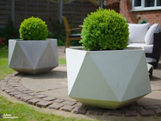 Femkant Concrete Planter Adam Christopher Design 花園植物盆栽與花瓶 水泥 White