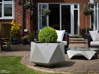 Femkant Planter In Warm Grey Concrete:  Garden  by Adam Christopher Design