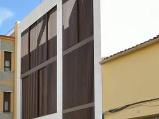 by MBVB Arquitectos Мінімалістичний