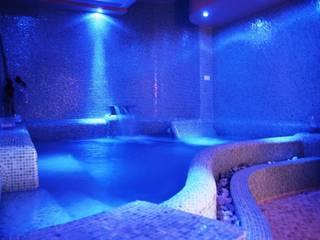 Interni centro benessere: vasca idromassaggio: Spa in stile in stile Mediterraneo di Studio Meacci & C. Architecture & Consulting