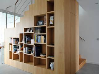 MBVB Arquitectos Corridor, hallway & stairs Stairs