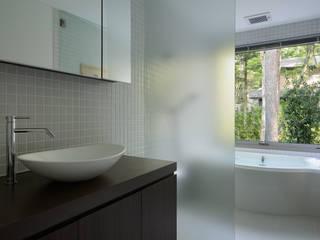 現代浴室設計點子、靈感&圖片 根據 atelier137 ARCHITECTURAL DESIGN OFFICE 現代風