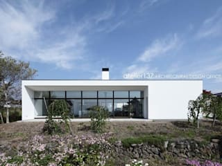 atelier137 ARCHITECTURAL DESIGN OFFICE Casas modernas Blanco