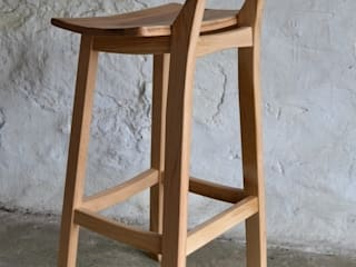 'Blend' Whisky barrel stool: modern  by Clachan Wood, Modern