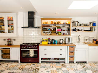Painted kitchen Clachan Wood مطبخ