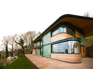 Blue Door, Monmouthshire Hall + Bednarczyk Architects Modern balcony, veranda & terrace