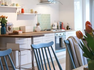 A contemporary London family home :  Kitchen by Otta Design